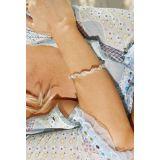 Wavy bracelet on the wrist