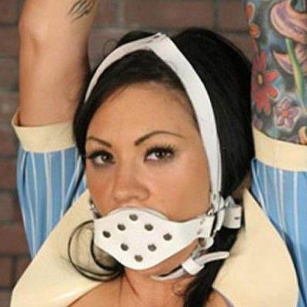 Белый кляп для рта с металическими паетками