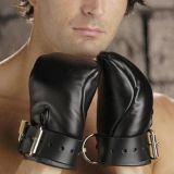 Черные экокожа перчатки-наручники по оптовой цене