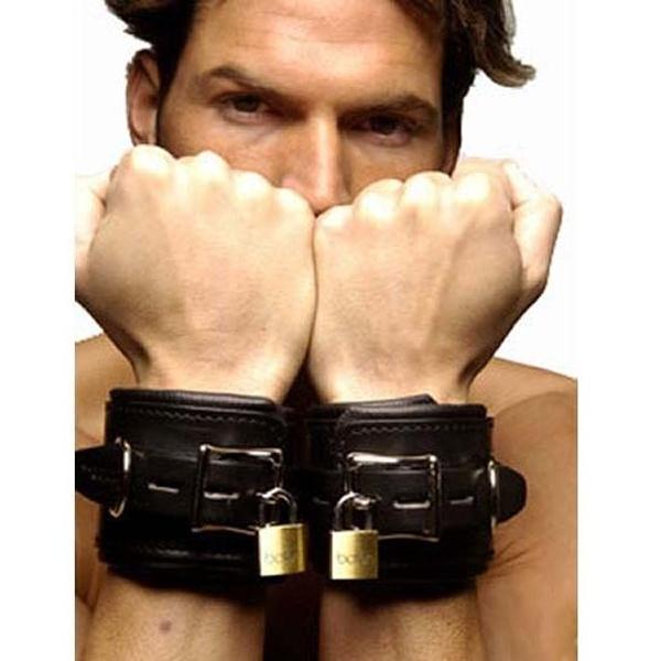 BDSM (БДСМ) - <? print Черные кожаные наручники; ?>
