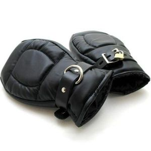 Black leather gloves-handcuffs. Артикул: IXI14120