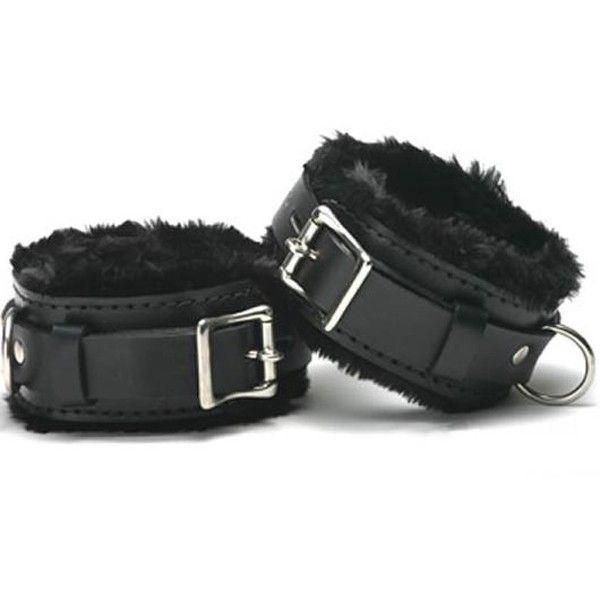Черные кожаные наручники с мехом