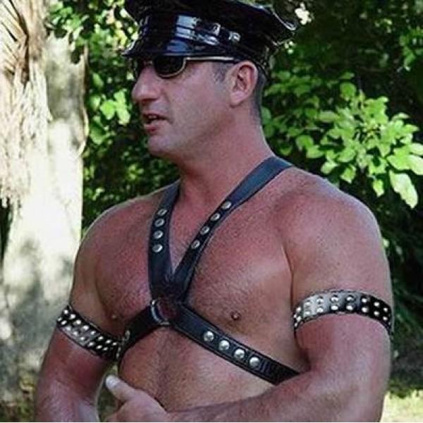 Секс бондаж в кожаном белье 2 фотография