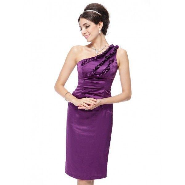 Коктейльное короткое платье с оборками спереди и открытым плечом