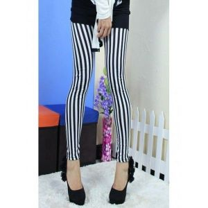 Two-tone black and white leggings