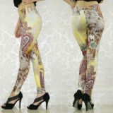 Original leggings with Oriental print.