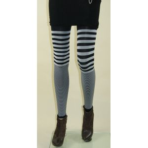 Stylish leggings with stripes