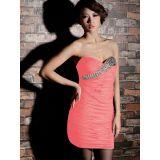 Розовое мини-платье с горным хрусталем