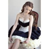 Charming corset black and white