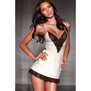 Negligee with delicate lace