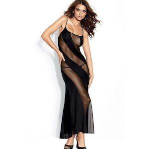 Соблазнительное длинное черное платье