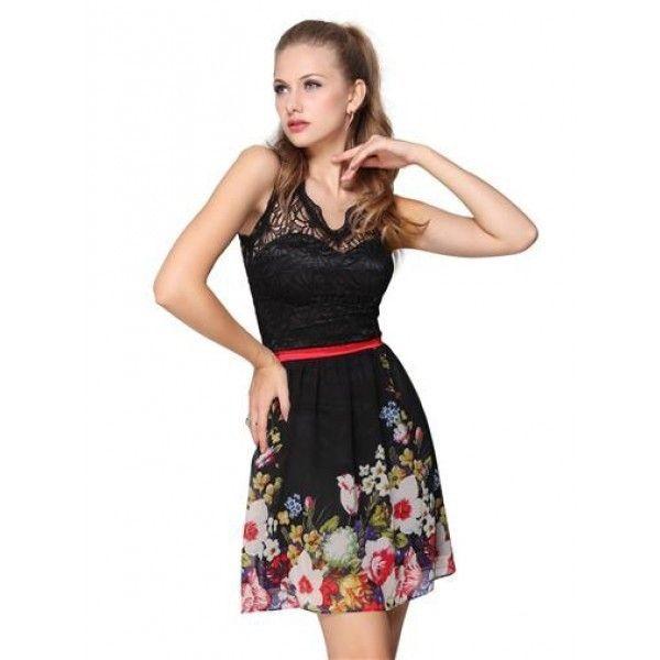Платье с кружевом и вырезом-капелькой