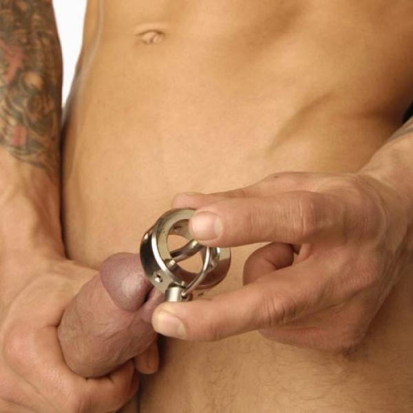 BDSM (БДСМ) - <? print Кольцо на пенис Акульи зубы с катетером; ?>