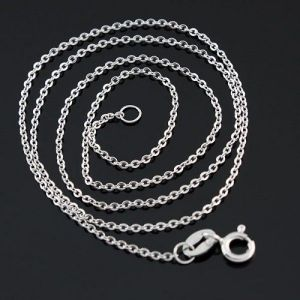 A thin chain of silver 925