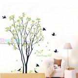 Виниловая наклейка - Дерево с листиками и птичками цена фото