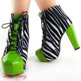 SALE! Lace-up ankle boots with animal print
