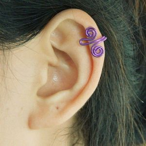 Purple earring clip with curls, 5 pieces