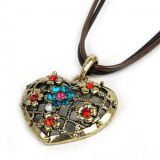 Necklace heart with rhinestones