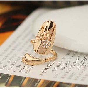 Ring nail with rhinestone