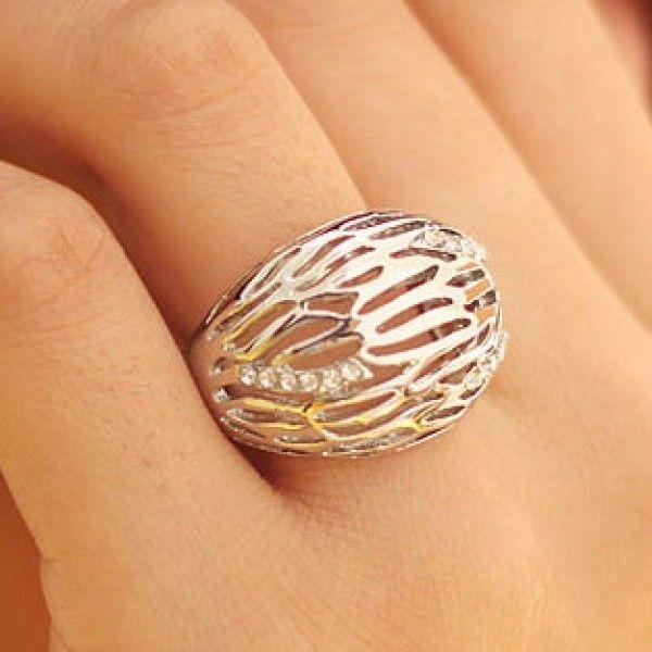 РАСПРОДАЖА! Объемное кольцо со стразами