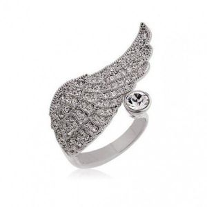 Ring with angel wing and rhinestones