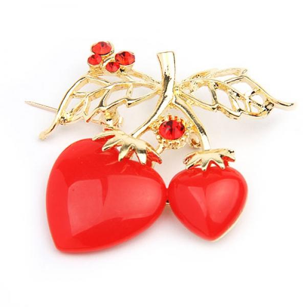 Golden brooch in the shape of strawberries. Артикул: IXI30156
