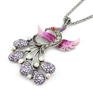 Retro necklace with rhinestones