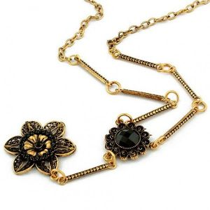 Beautiful necklace with black flowers in the Baroque style