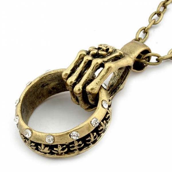 Necklace with pendant in the shape of a ring. Артикул: IXI30220