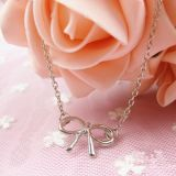 Charming bracelet with bow