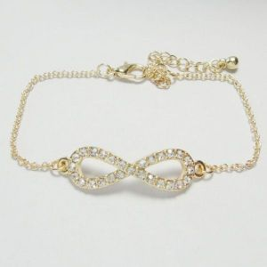 Twinkling bracelet with rhinestones