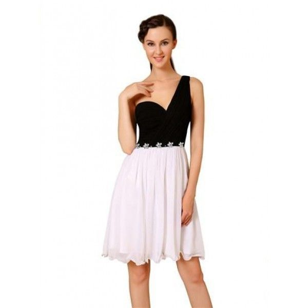 Очаровательное платье на одно плече