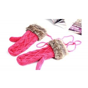 Warm knitted gloves