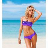 Пурпурный нарядный купальник