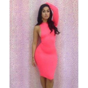 Сексапильное платье розовое