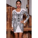 Элегантное платье с винтажным принтом