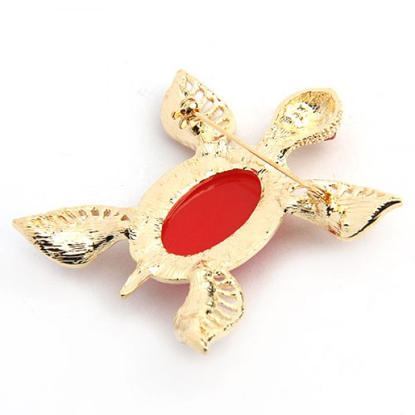 Golden brooch in the shape of a turtle. Артикул: IXI39842