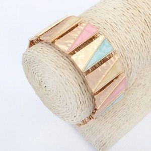Bracelet with a geometric print