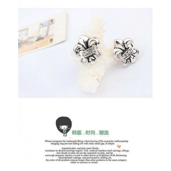 Delicate earrings in retro style. Артикул: IXI40023