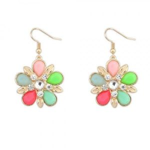 Bright earrings with petals