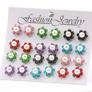 Set of 12 pairs of earrings