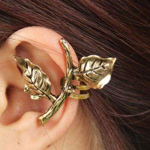 Earrings with petals