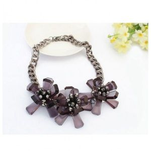 Necklace with oversized flowers