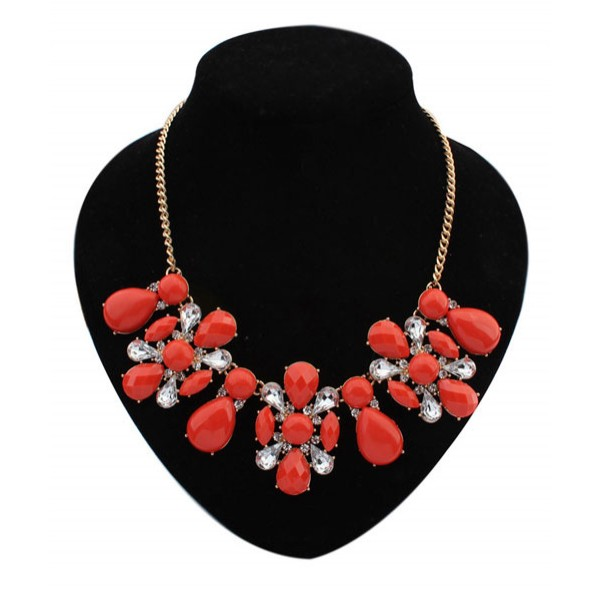 Beautiful necklace with stones. Артикул: IXI40317