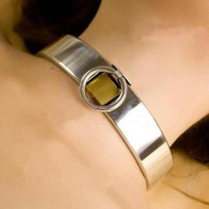 Universal stainless steel collar