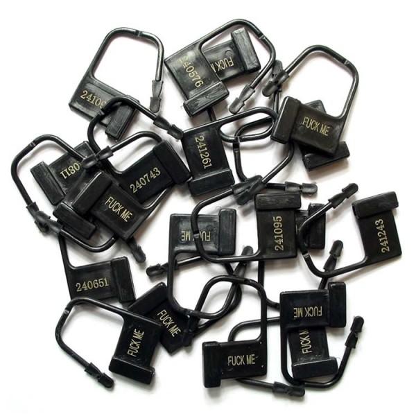 BDSM (БДСМ) - <? print Замки пластиковые для поясов верности, черные с номерами FUCK ME, 10 штук; ?>