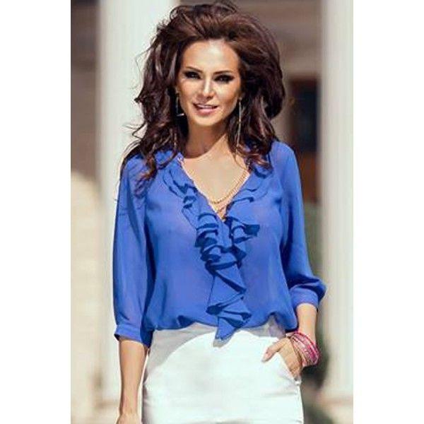 Женственная блуза с рюшами.