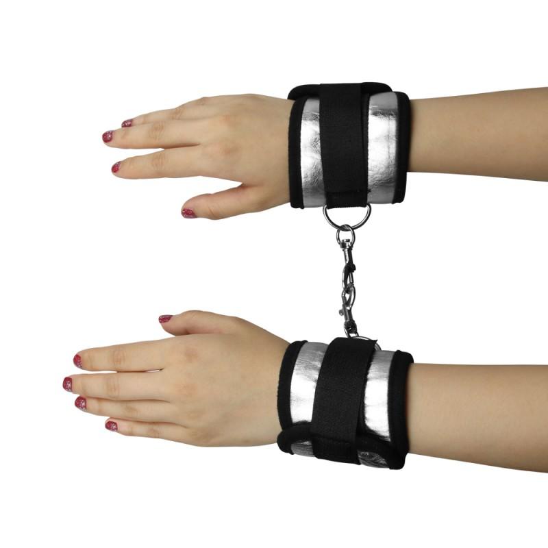 BDSM (БДСМ) - <? print Наручники черные с липучками и зажимами; ?>