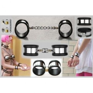 Female handcuffs with silicone lining
