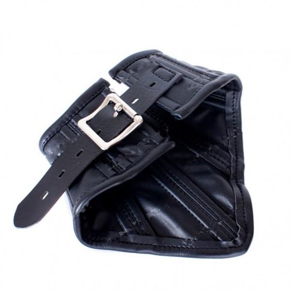 Noble black leather collar. Артикул: IXI48222